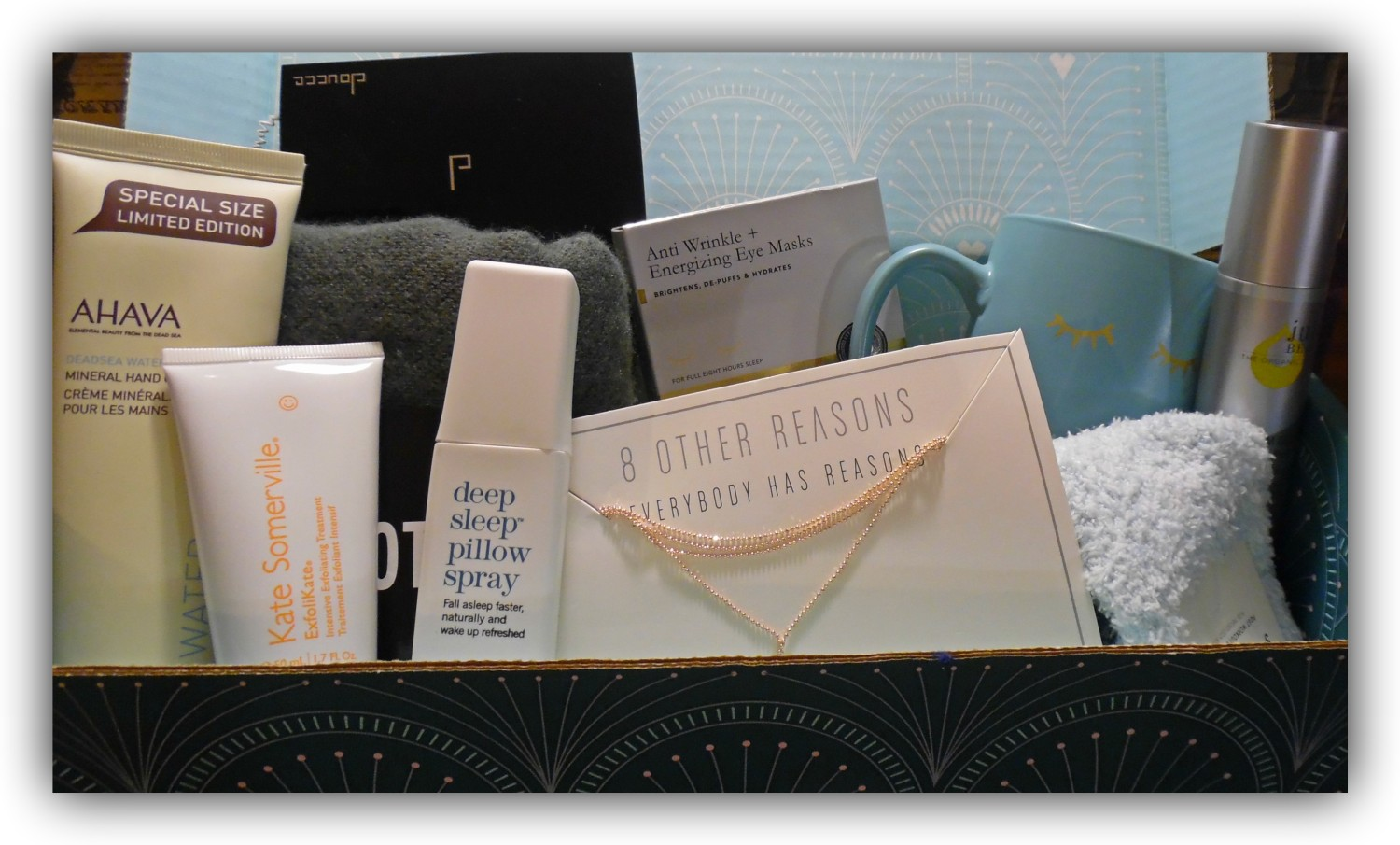 Fabfitfun Winterbox 2017 It S Fabulous Barbie S Bookmarks